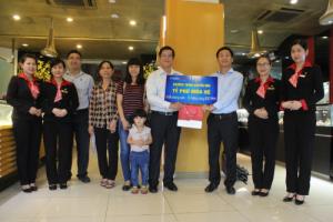 Mobifone tặng 30 lượng vàng SJC 9999 cho khách trúng thưởng